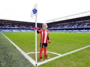Bradley Lower será la mascota del Everton-City