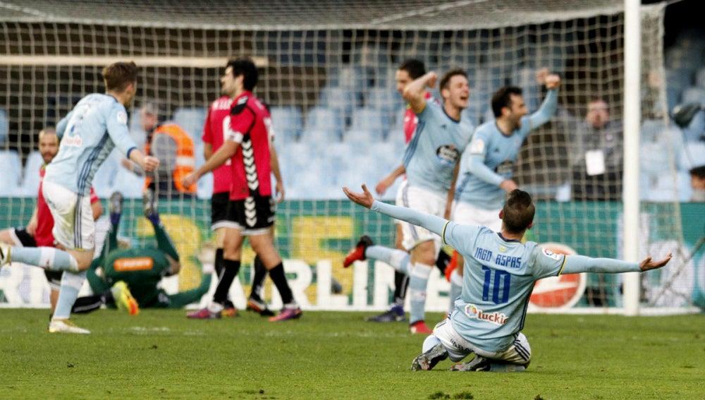 El Celta celebra un gol ante el Alavés