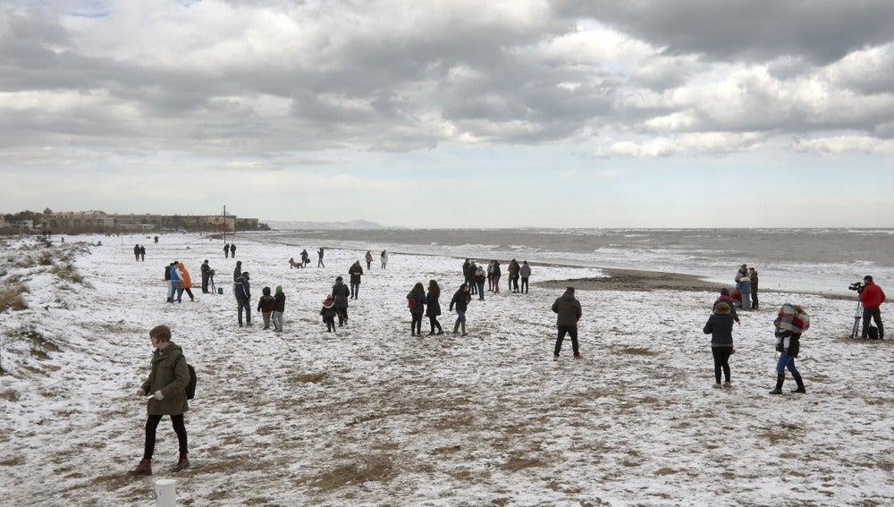 Nieve en la playa de Denia
