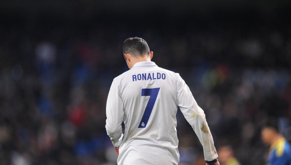 Cristiano Ronaldo, cabizbajo durante el partido contra el Celta de Vigo