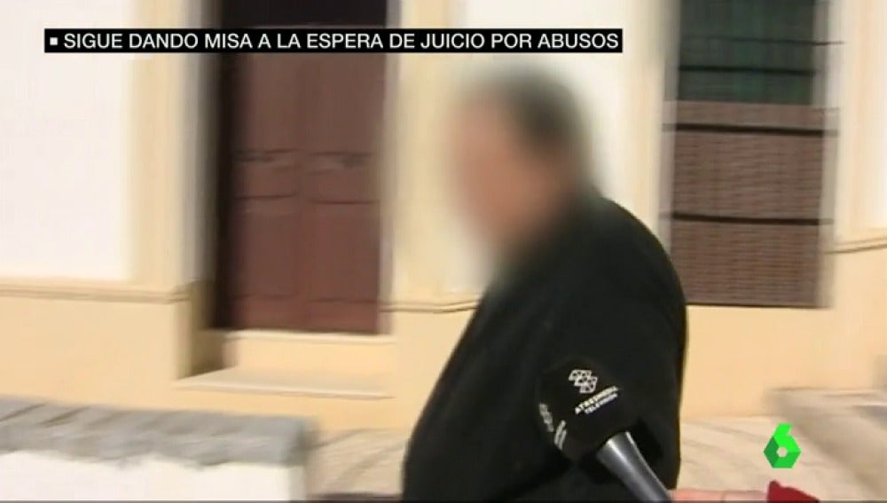 """Frame 58.332454 de: El cura de Córdoba acusado de abusos sexuales a una niña sigue dando misa: """"No me he podido defender"""""""