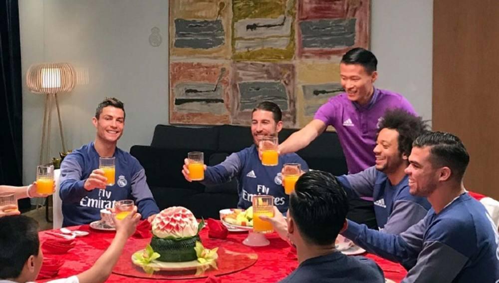 El Real Madrid celebra la entrada del Año Nuevo chino