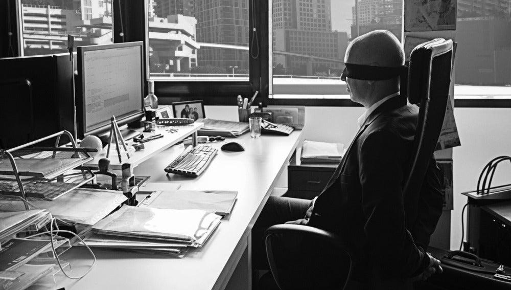 Los adictos al trabajo muestran las mismas características que los adictos a las drogas y el alcohol