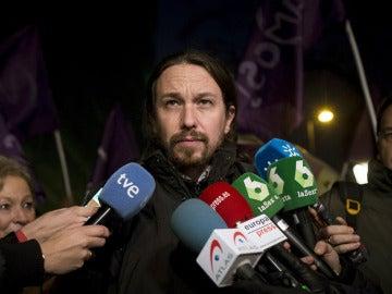 Pablo Iglesias habla con los medios