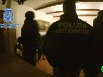 Frame 27.914553 de: Detenido en Málaga un líder de la camorra, uno de los máximos responsables en el tráfico internacional de cocaína y hachís