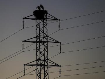 Las eléctricas tendrán que dar tres avisos y esperar hasta cuatro meses antes de cortar la luz