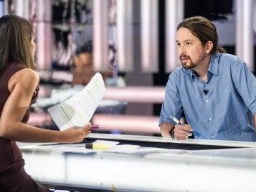 Ana Pastor pregunta a Pablo Iglesias en El Objetivo