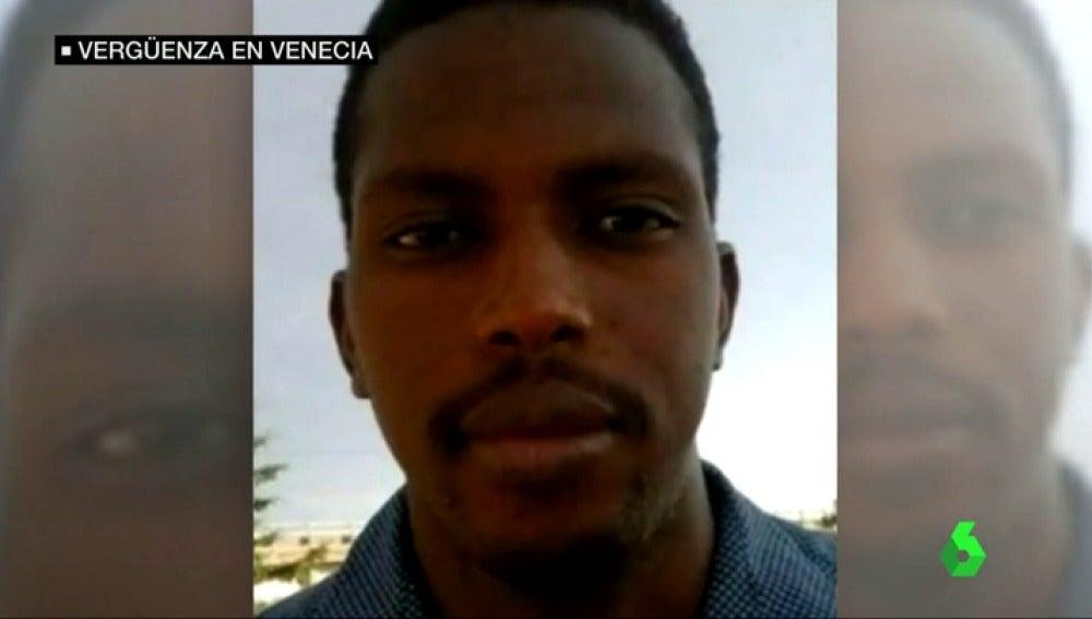 Frame 37.915357 de: inmigrante venecia