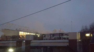 La columna de humo visible desde Old Trafford