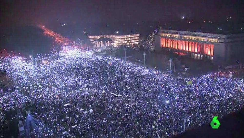Frame 0.334329 de: protestas rumania