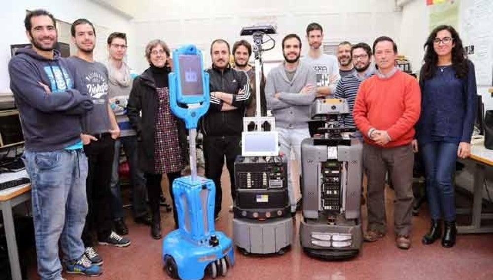 El equipo de investigación MAPIR de la Universidad de Málaga en su laboratorio