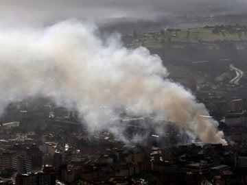 Incendio de un bazar chino en Oviedo