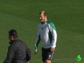 Zozulya se entrena con el Betis