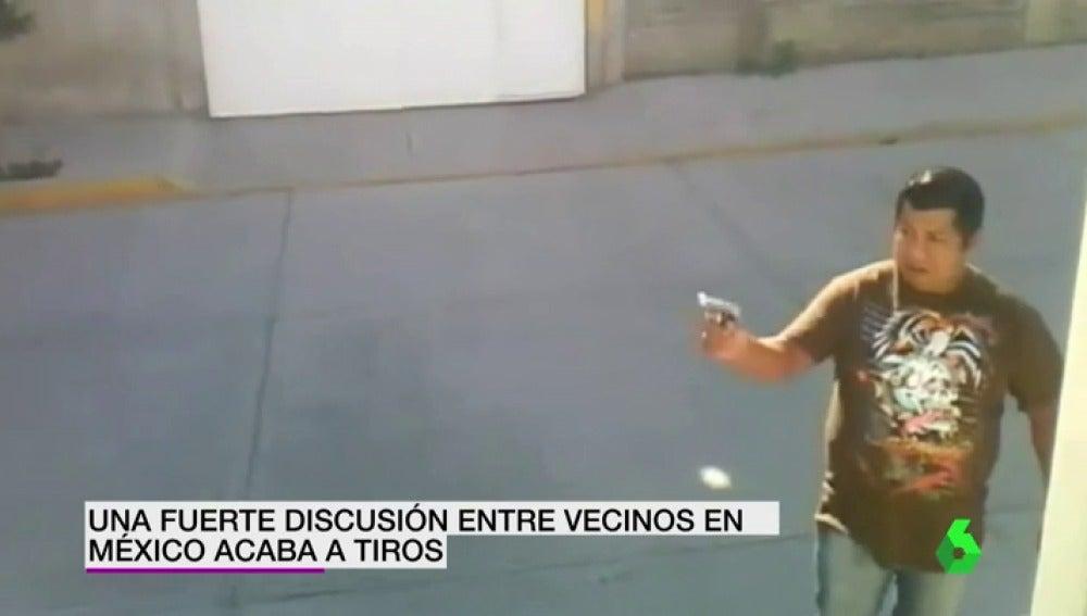 Frame 9.387777 de: mexicano dispara