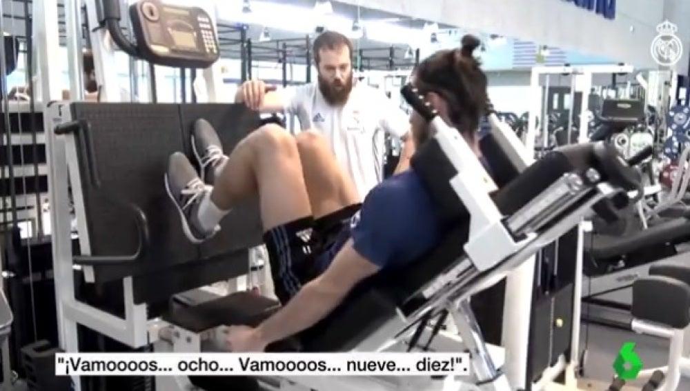 Gareth Bale se ejercita en el gimnasio