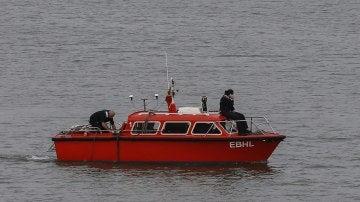 Barco de la Armada en el Guadalquivir