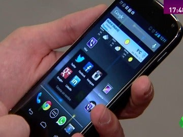 Frame 0.0 de: Nomofobia, like adiction, vamping... ¿vivimos enganchados al móvil?