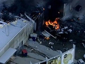 Incendio en Australia tras estrellarse una avioneta