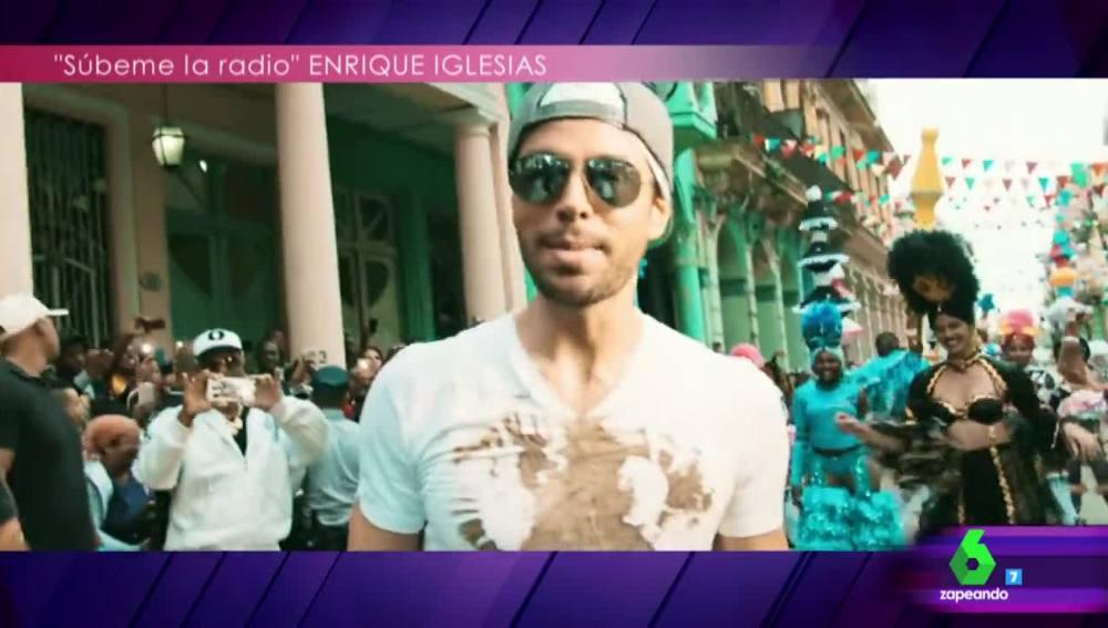 Enrique Iglesias, en el videoclip de su nueva canción
