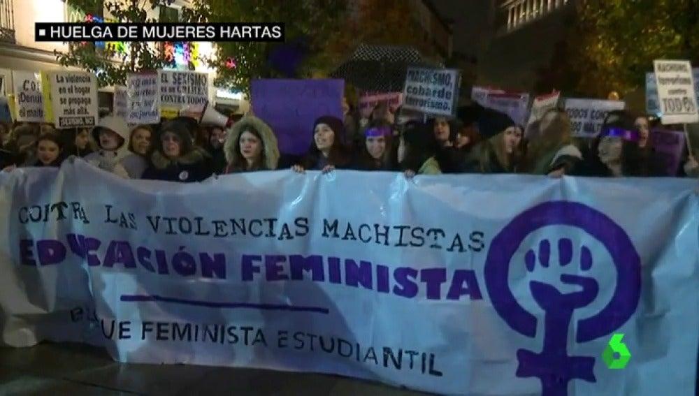 Frame 16.688917 de: mujeres en huelga