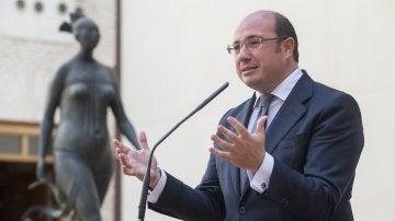 El presidente de Murcia, Pedro Antonio Sánchez, durante la rueda de prensa ofrecida en el acto de constitución del Foro Región de Murcia Corredor Mediterráneo