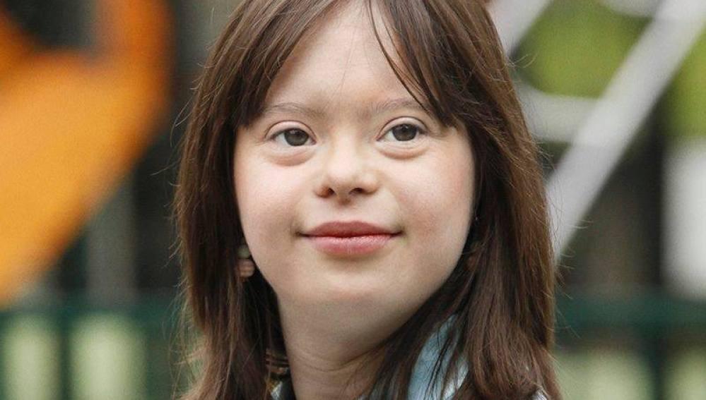 Una joven con síndrome de down se convierte en presentadora del tiempo