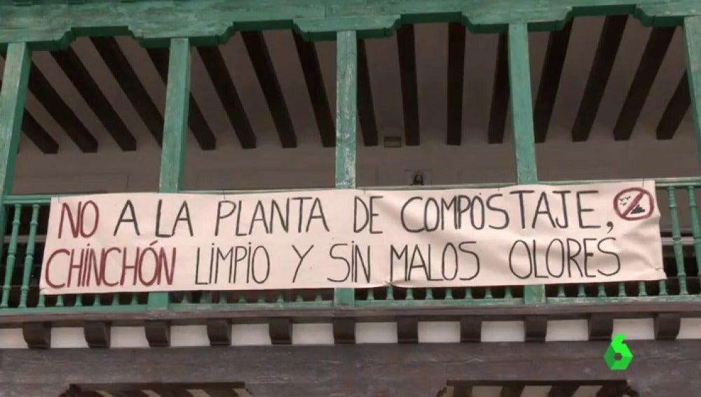 Frame 43.798775 de: La construcción de una planta de compostaje al aire libre indigna a los vecinos de Chinchón en Madrid
