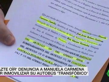 """Frame 5.864489 de: Hazte Oír denunciará a Manuela Carmena por el """"repetido acoso"""" a su autobús contra la transexualidad"""