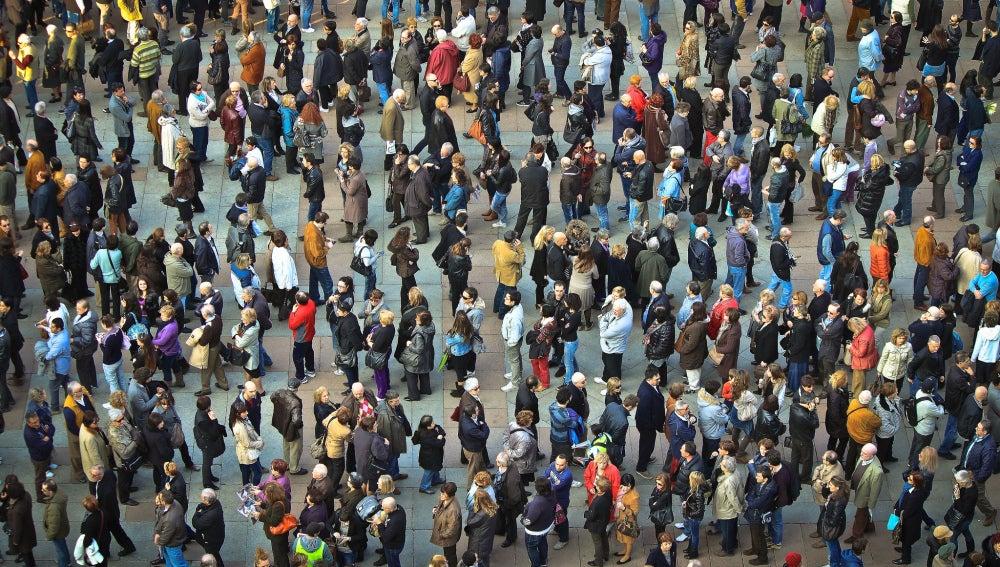 Una multitud de personas