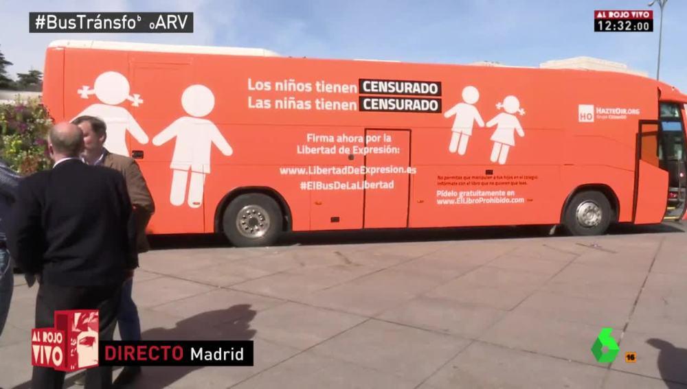 El tercer vehículo de Hazte Oír contra la transfobia