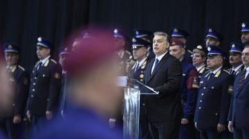 Viktor Orbán, el primer ministro húngaro, durante el discurso en la ceremonia de graduación de nuevos agentes de las Fuerzas Fronterizas en Budapest (Hungría)