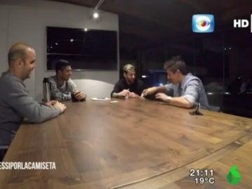 Leo Messi y Luis Suárez, en una entrevista para la televisión uruguaya