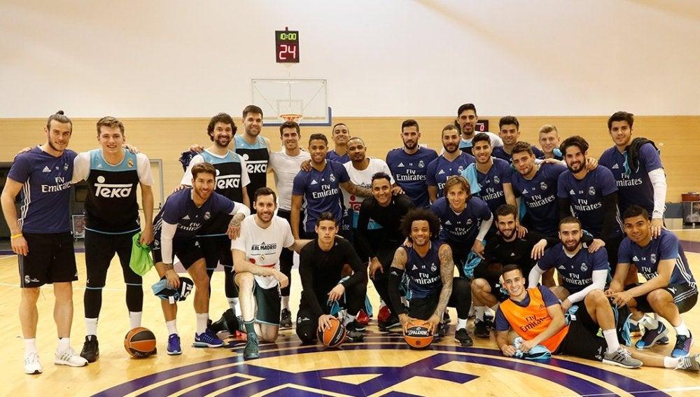 Las plantillas de fútbol y baloncesto del Real Madrid realizan un ... 98d9ac6344e34