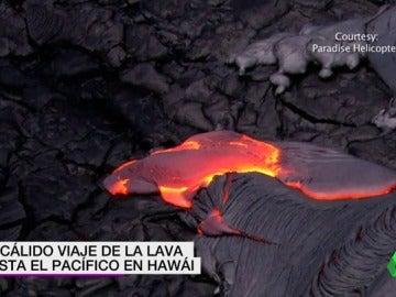 Frame 7.684529 de:  El volcán 'Kilauea': el cálido viaje de la lava hasta el Pacífico en Hawaii