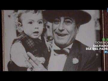 Inés Sánchez junto a su padre