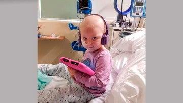 Daisy Wigginton tiene un tumor que cubre su pulmón derecho, bazo y riñones