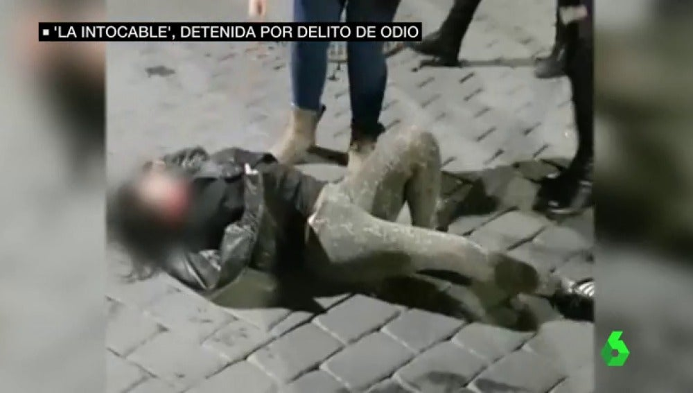 Imagen de 'la intocable' después de sufrir una agresión en un bar de Murcia