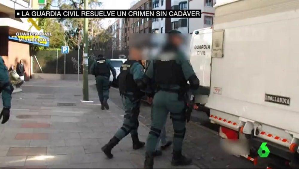 Frame 32.992788 de: La Guardia Civil resuelve un crimen sin cadaver: quemaron a la víctima y tamizaron las cenizas para que no quedara ningún rastro
