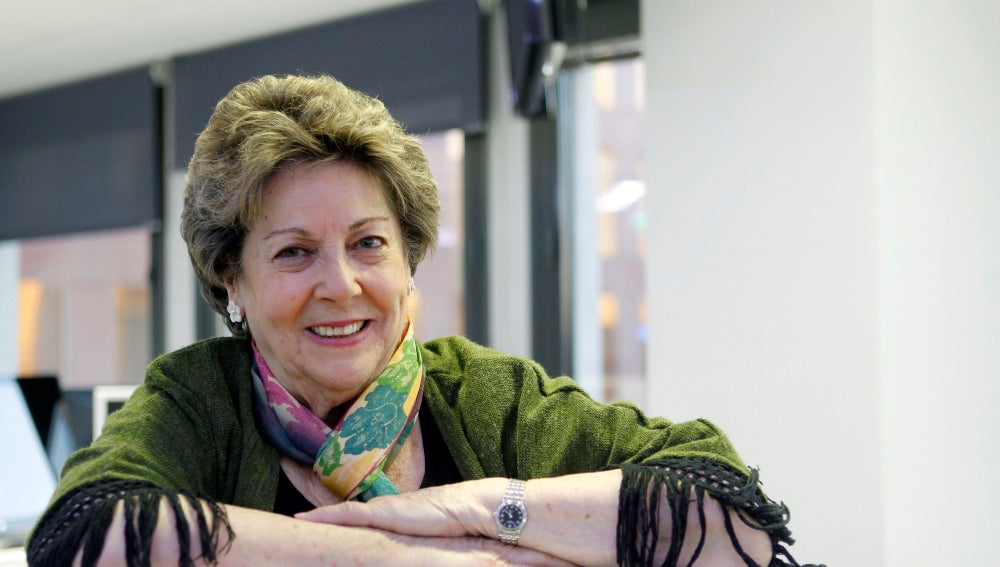 La periodista y escritora Paloma Gómez Borrero durante una entrevista en la agencia