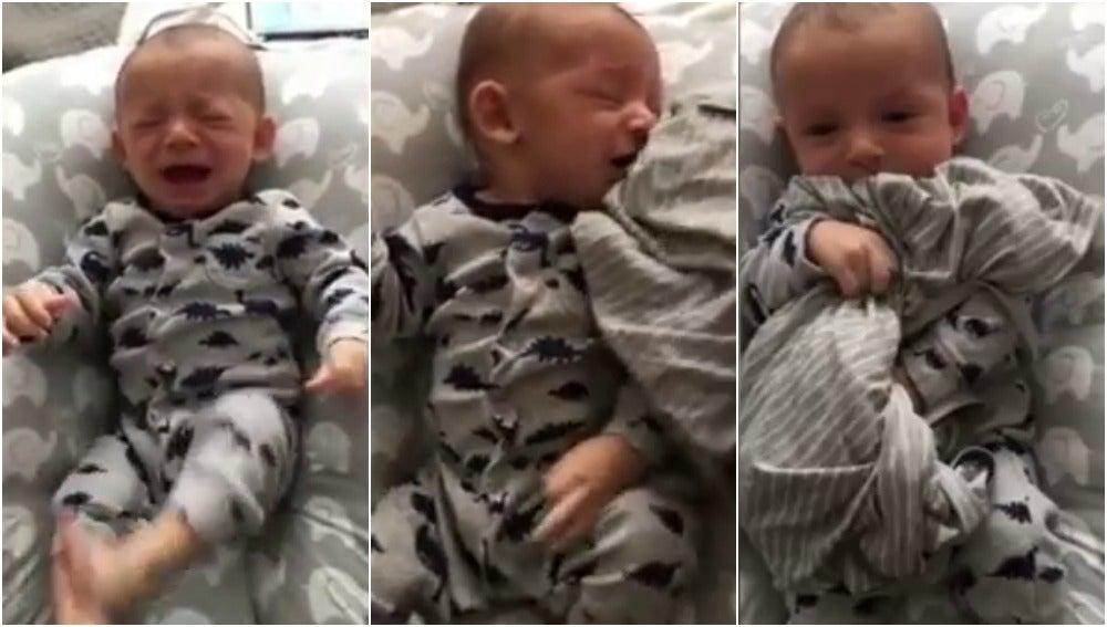 Un padre consigue consolar a su bebé gracias a una prenda de su madre