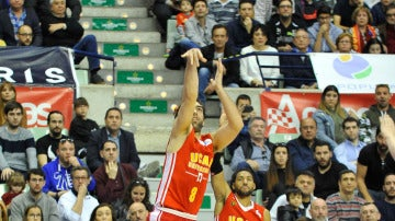 El UCAM Murcia doblega en casa al Iberostar