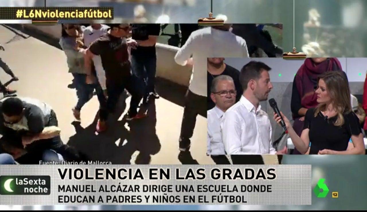 Manuel Alcázar habla con Andrea Ropero