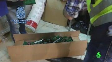 Frame 2.062224 de: La Policía impide la puesta en marcha de una fábrica clandestina de tabaco en Elche