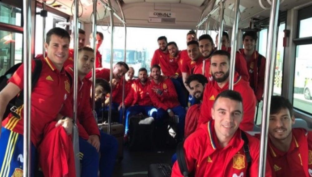 Los jugadores de España a su llegada a París
