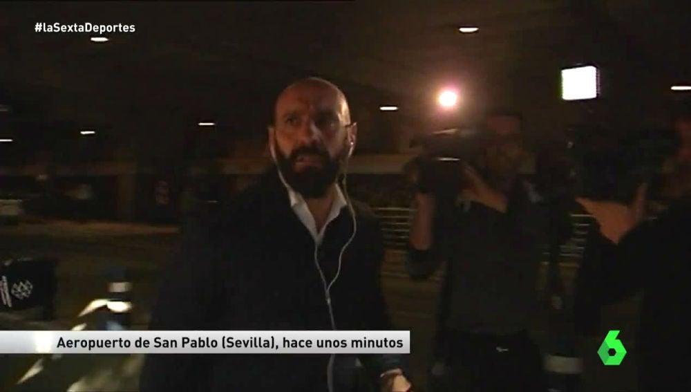 Monchi, en el aeropuerto de Sevilla