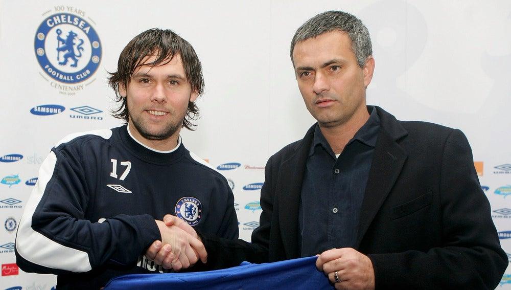 Maniche, con Mourinho en su presentación con el Chelsea