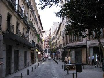 Calle de La Cruz, zona donde fue detenido por masturbarse en público