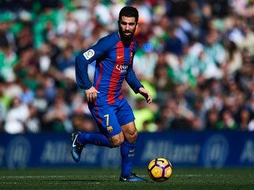 Arda Turan, en un partido con el Barcelona