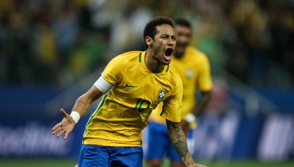 Neymar celebra uno de sus goles con Brasil