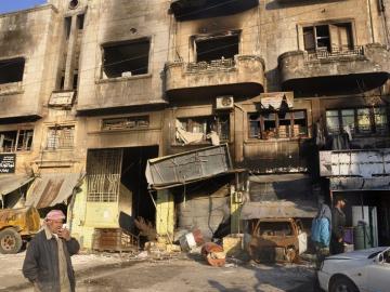 Vista de un edificio de la ciudad de Harem, en la periferia de Idleb, distruido en un bombardeo.